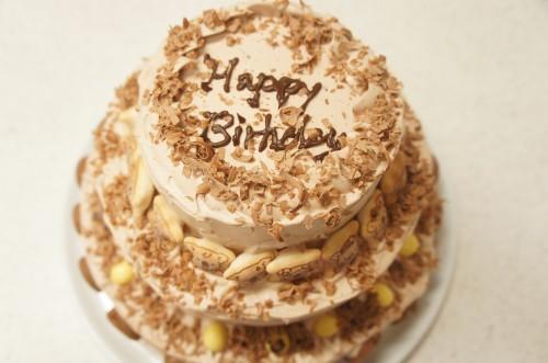 チョコレート3段ケーキ